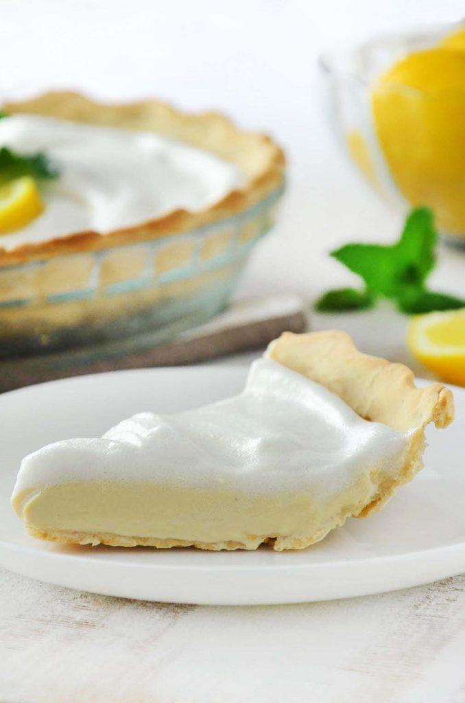 Pedaço da torta de limão.