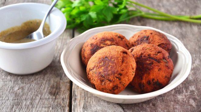 Falafel (bolinho de grão de bico)
