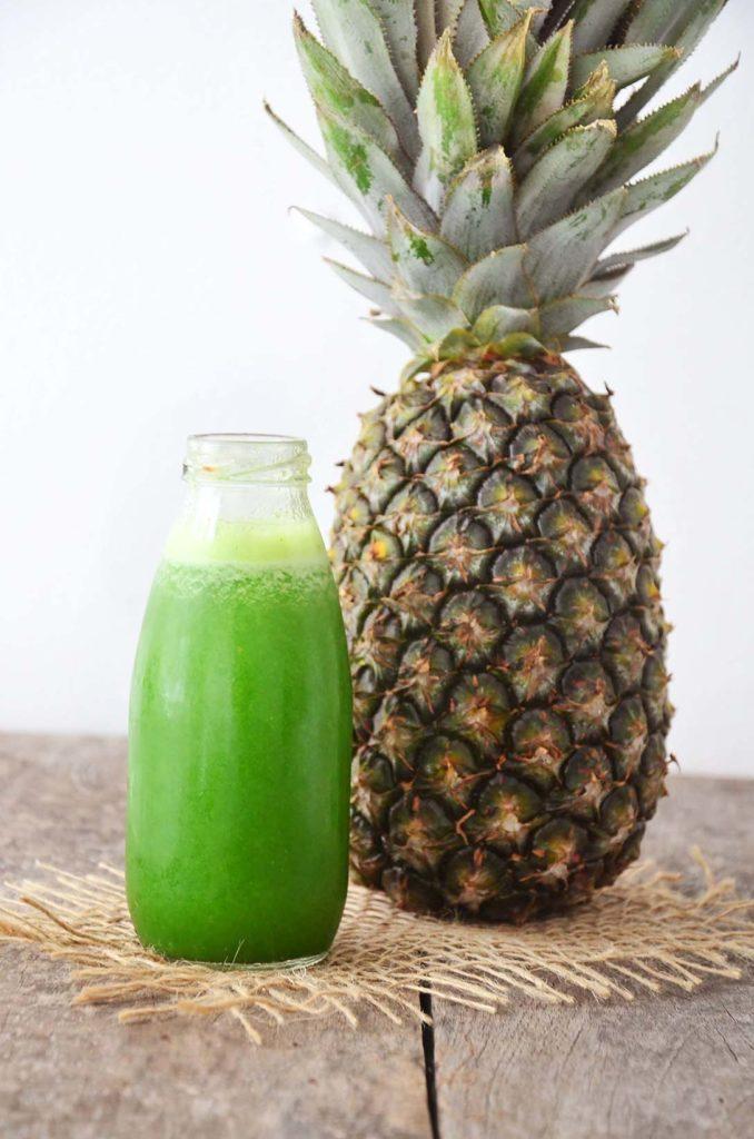 Suco verde com base de abacaxi