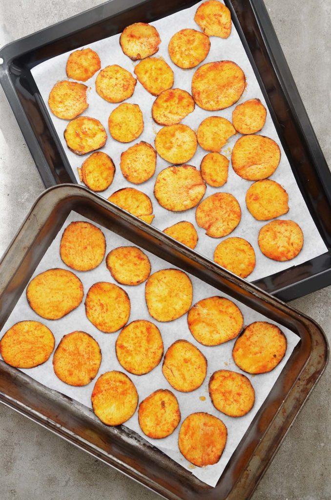 Batatas doces prontas para irem ao forno