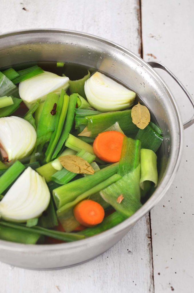 Caldo de legumes caseiro fácil